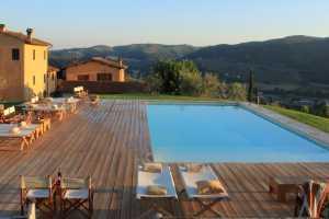 stay local agriturismo i veroni toscana pool