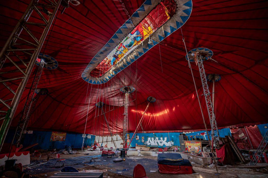 Forladt Cirkus - WooW Plakater Forladte steder - urban explore