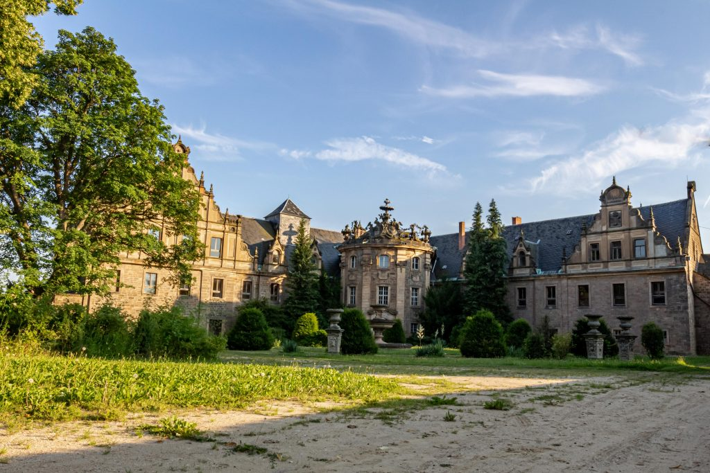 Chateau Shultz - WooW Plakater Forladte steder - urban explore