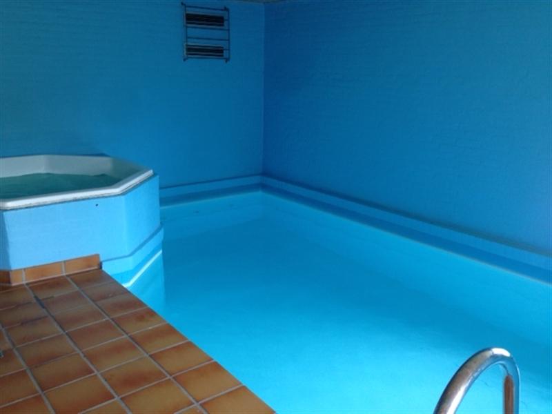 Stort sommerhus med pool og spa ved Vesterhavet til 12 personer PRISERNE ER INKL FORBRUG.
