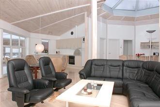 Sommerhus 8 personer med SPA. Ebeltoft 1500 meter fra centrum, med fri adgang til badeland